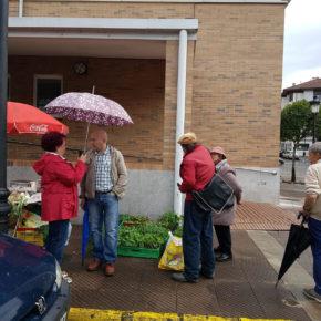 Ciudadanos Parres alerta de la agonía del mercado semanal de Arriondas