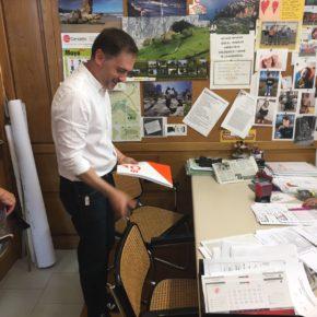 Ciudadanos Nava evidencia el retraso administrativo del ayuntamiento debido a la falta de organización