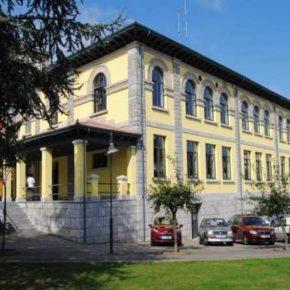 Cs Pravia pide alternativas al cierre de la zona de aparcamiento de la biblioteca