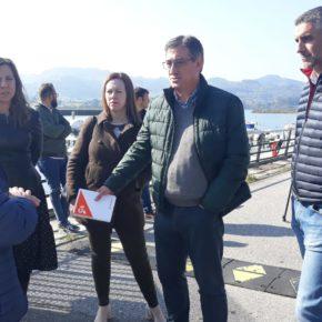 """Prendes: """"No puede ser que por las incompetencias de la administración los mariscadores de la ría de Villaviciosa no puedan desarrollar su actividad"""""""