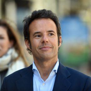 """Nacho Cuesta: """"La cooficialidad del bable que quiere el PSOE implica imposición y obligación para funcionarios, profesores y niños, lo demás es vender motos"""""""