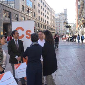 Nacho Cuesta propone una batería de medidas para acabar la sangría de comercios en Oviedo