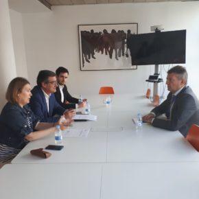 Nacho Prendes y Marta Rivera se reúnen con la Asociación de Empresas de Gran Consumo de Energía