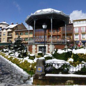 Las luces de Navidad aún no brillanen la capital del concejo de Noreña