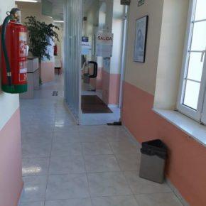 Ciudadanos Cudillero alerta de la presencia de roedores e insectos muertos en el Centro de Salud de San Martín