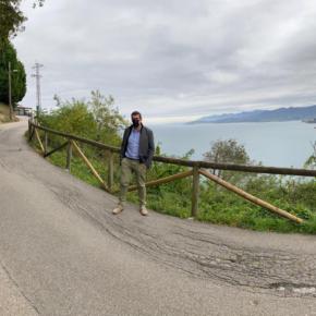Ciudadanos alerta del hundimiento de la carretera de acceso al Mirador de San Roque, en Lastres